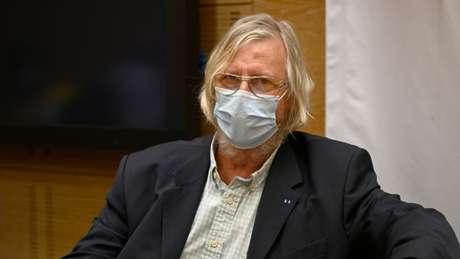 Didier Raoult, conhecido médico francês, é o autor do estudo inicial e mantém a defesa dele