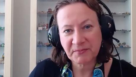 'Discussões sobre ciência não costumam pular para a política, mas nesse caso aconteceu', diz Elisabeth Bik