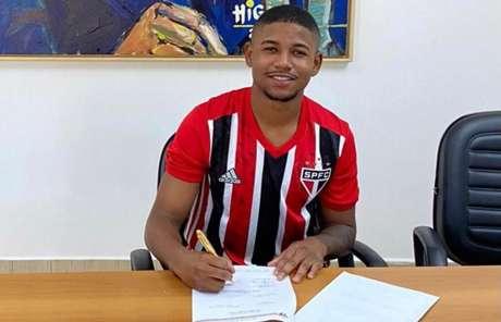 Gabriel Falcão renovou com o São Paulo por mais quatro anos (Foto: Divulgação/saopaulofc.net)