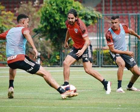 Titulares do São Paulo treinaram no CT da Barra Funda (Foto: Fellipe Lucena/São Paulo FC)