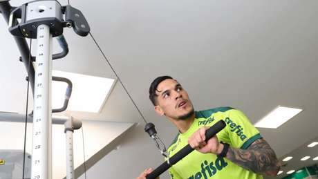 Gustavo Gómez faz reforço físico na Academia de Futebol (Foto: Cesar Greco/Palmeiras)