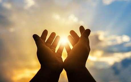 Fé é convicção, crer em algo ou em si mesmo e religiosidade é sentir a percepção das manifestações do sagrado - Shutterstock