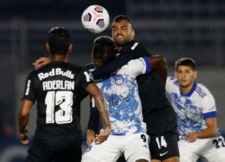 Confronto foi marcado por uma intensa marcação de ambos os lados (Foto: Ari Ferreira/Red Bull Bragantino)
