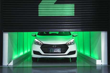Fintech Creditas aposta em lojas físicas de automóveis para convencer o consumidor indeciso na hora da compra