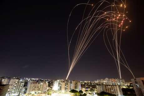 Sistema antimísseis de Israel intercepta foguete vindo da Palestina