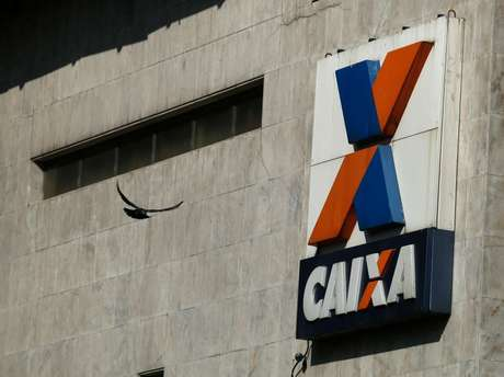 Logo da Caixa fotografado no Rio de Janeiro (RJ)  20/08/2014 REUTERS/Pilar Olivares