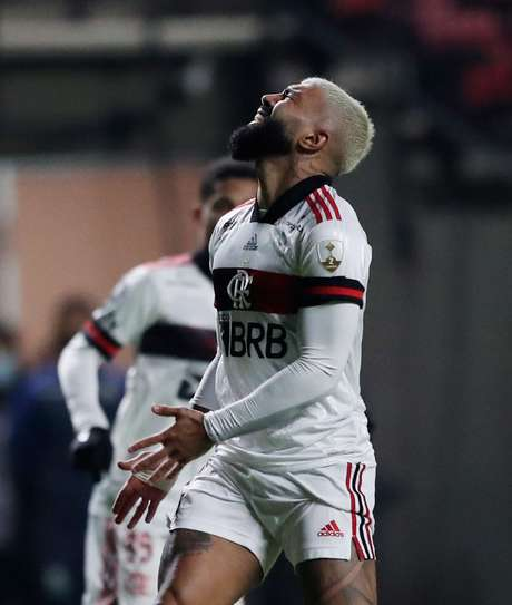 Flamengo comete erros defensivos, mas empata com o La Calera