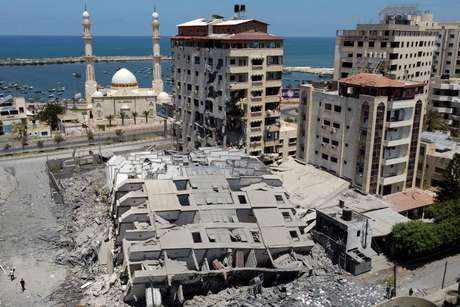 Prédios destruídos após ataque de Israel