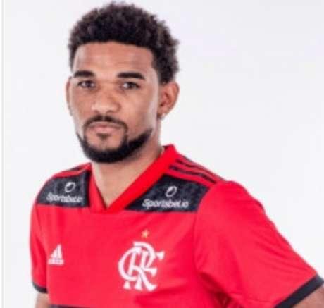 Bruno Viana passa por maus momentos no Flamengo
