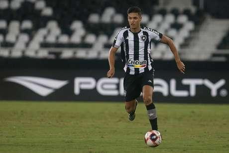 Sousa também falou sobre a relação com o amigo Kanu (Foto: Vítor Silva/Botafogo)