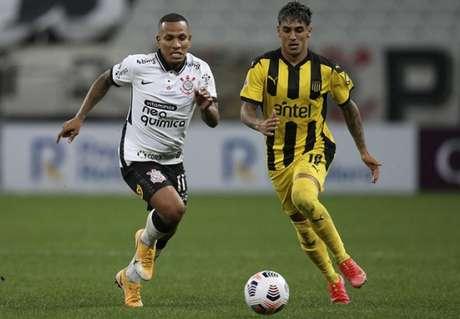 Timão perdeu por 2 a 0, em casa, o seu primeiro encontro diante do Peñarol (Foto: Alexandre Schneider/POOL/AFP)