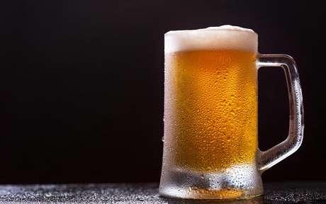 Saiba 4 curiosidades a respeito da bebida alcoólica mais consumida no mundo - Shutterstock