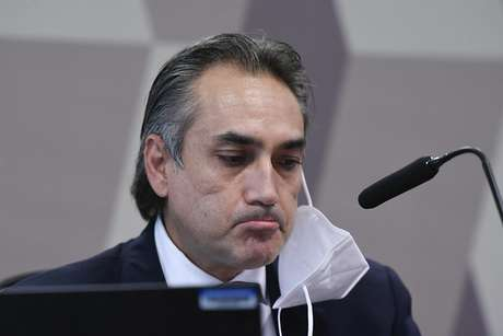 À mesa, gerente-geral da Pfizer na América Latina, Carlos Murillo