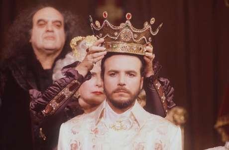 O impostor Pichot foi colocado no trono de Avilan para que os poderosos continuassem a surrupiar o reino: um retrato crítico da política brasileira na teledramaturgia