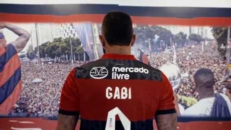 Flamengo passa a estampar a marca do Mercado Livre nas costas (Foto: Reprodução/Flamengo)