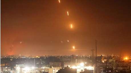 Grupo Hamas lançou grande número de foguetes sobre várias cidades israelenses