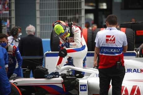 Mick Schumacher mostra confiança na evolução da Haas