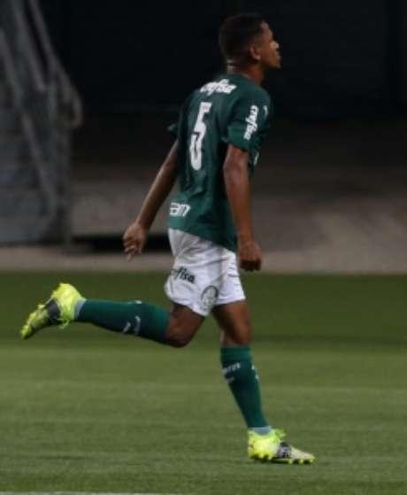 Jean Carlos em ação pelo Palmeiras (Foto: Fabio Menotti/Palmeiras)