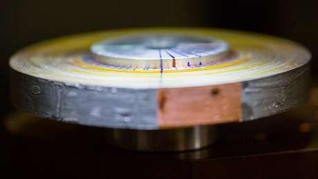 A Tokamak Energy teve que descobrir como enrolar delicada fita supercondutora em bobinas
