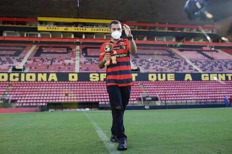 Gil do Vigor em visita a Ilha do Retiro, estádio do Sport, clube do coração do ex-BBB (Reprodução / Twitter / Anderson Stevens)
