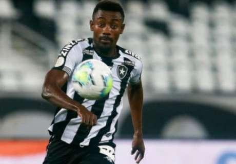Kalou foi um dos jogadores que deixou o Botafogo após o fim da última temporada (Vítor Silva / Botafogo)