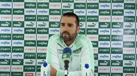 João Martins substituiu Abel Ferreira na coletiva das quartas de final do Paulistão (Foto: Reprodução)