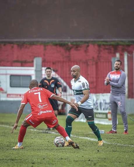 Coritiba teve muitas dificuldades no jogo e acabou saindo de campo derrotado pelo Rio Branco-PR (Foto: Divulgação/Coritiba)