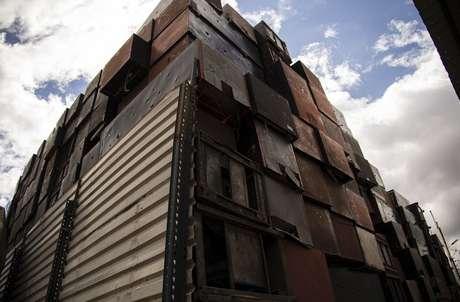 Tanques de gás, geladeiras e resfriadores industriais costumam ser mantidos em depósitos antigos e locais de descarte de resíduos
