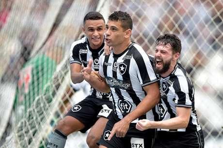 Diego Souza marcou o gol da vitória do Botafogo sobre o Vasco em 2019 (Foto: Thiago Ribeiro/Botafogo)