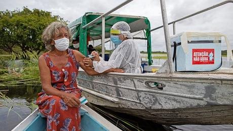 Brasil já tinha acordo para compra de doses da AZD1222 em agosto de 2020, cinco meses antes de a vacina ser aprovada pela Anvisa