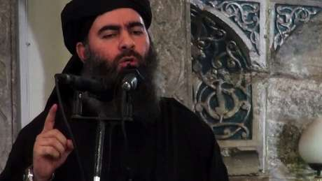 Abu Bakr al-Baghdad, fundador do autodenominado Estado Islâmico, anunciou ser um novo califa