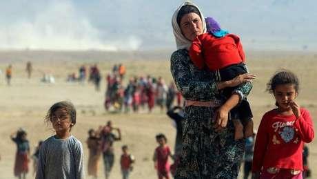 O povo yazidi, especialmente suas mulheres, foi alvo de atrocidades do EI no norte do Iraque