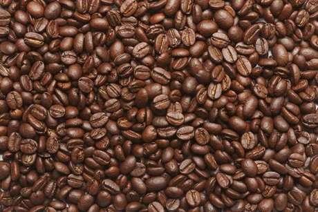 Café: Além de energia, ela proporciona prosperidade, força e proteção - Shutterstock