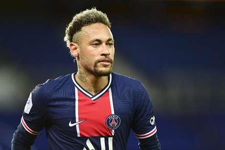 Neymar marcou gol na disputa contra o Reims pela Ligue 1