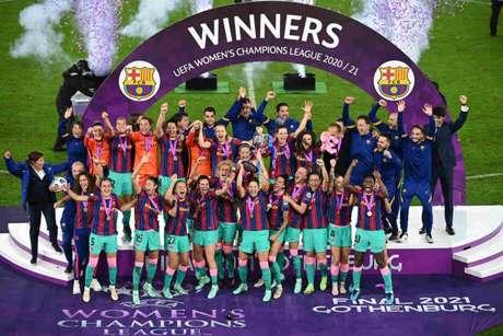 Barcelona conquistou sua primeira Champions League feminina (Foto: JONATHAN NACKSTRAND / AFP)