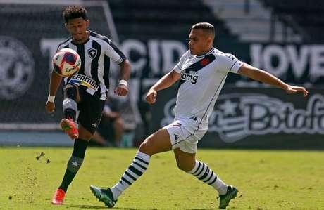 O Botafogo conseguiu apenas uma finalização ao gol de Vanderlei (Foto: Vítor Silva/ BFR)