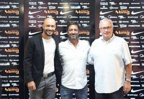 Alessandro, Duílio, Roberto de Andrade (foto) e Alex estão definirão novo técnico (Foto: Rodrigo Coca/Ag.Corinthians)