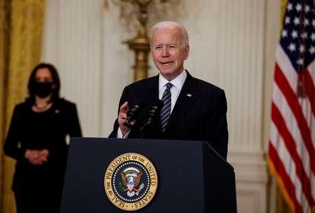 Presidente dos Estados Unidos, Joe Biden, fala sobre a vacinação contra a Covid-19 durante um evento na Casa Branca, em Washington, EUA 18/03/2021 REUTERS/Carlos Barria
