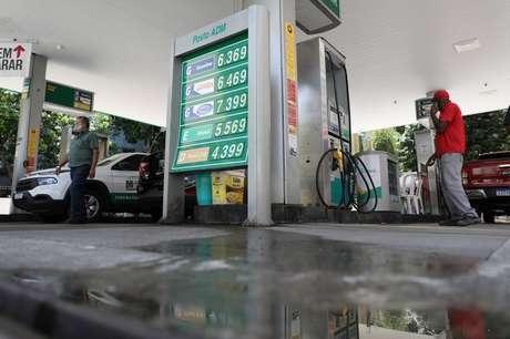 Posto de combustíveis no Rio de Janeiro (RJ)  10/03/2021 REUTERS/Pilar Olivares