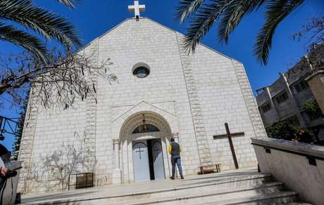 Muitos cristãos nos territórios palestinos encontraram refúgio em suas paróquias