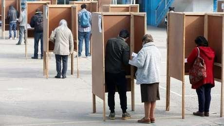 Chilenos elegeram os 155 integrantes que redigirão a Constituição
