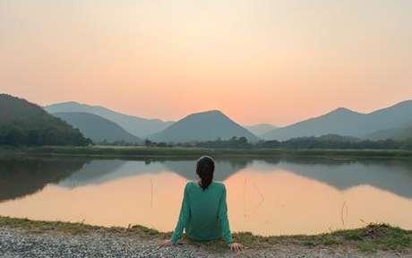 Leia atentamente as dicas abaixo para você começar a se abrir para a luz divina que é de paz e amor - Tananyaa Pithi/Shutterstock