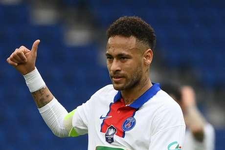 Camisa 10 do Paris Saint-Germain, Neymar mora na França desde 2017 (Foto: FRANCK FIFE / AFP)