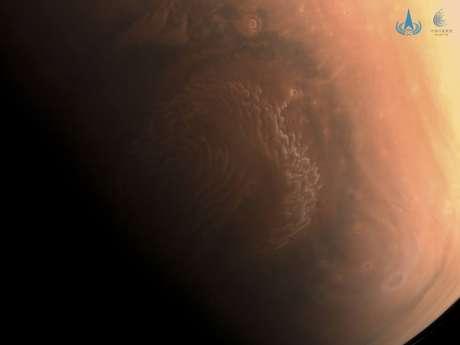 Primeira foto em alta definição tirada de Marte pela nave espacial chinesa