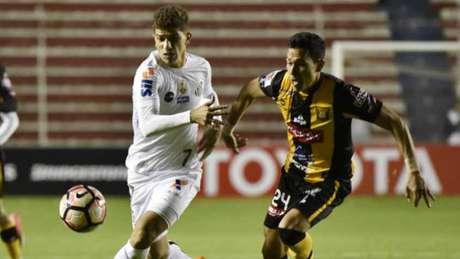 Em 2017, Santos e The Strongest empataram em 1 a 1 na Bolívia (Foto: AFP)