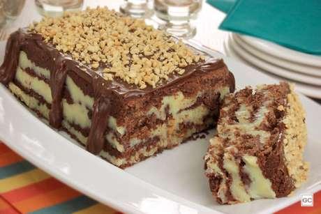 Guia da Cozinha - Torta-cookie com amendoim para adoçar o seu dia
