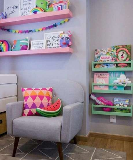 12. A almofada infantil em formato de melancia traz um charme especial para o cômodo. Fonte: Pinterest