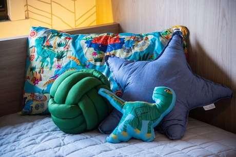7. Kit almofadas infantil para quarto temático de dinossauros. Fonte: JuBa Arquitetando Ninhos
