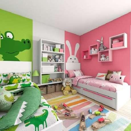 24. Almofadas decorativas para quarto infantil alegram o cômodo. Fonte: Pinterest