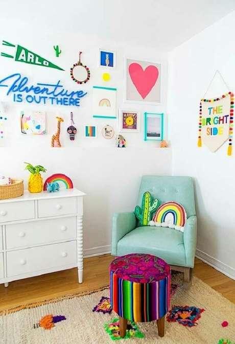 22. Almofadas decorativas infantil em formato de cacto e arco-íris. Fonte: Pinterest